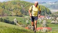 Rentner joggt colourbox1214706 1920x unbegrenzt
